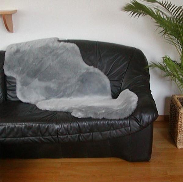 australische Doppel Lammfelle aus 1,5 Fellen grau gefärbt geschoren, voll waschbar, ca. 160x65 cm